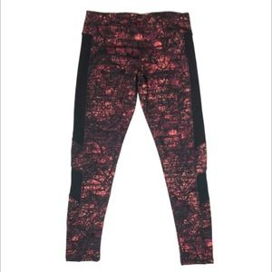 Lululemon Pink/Coral Cropped Printed Leggings